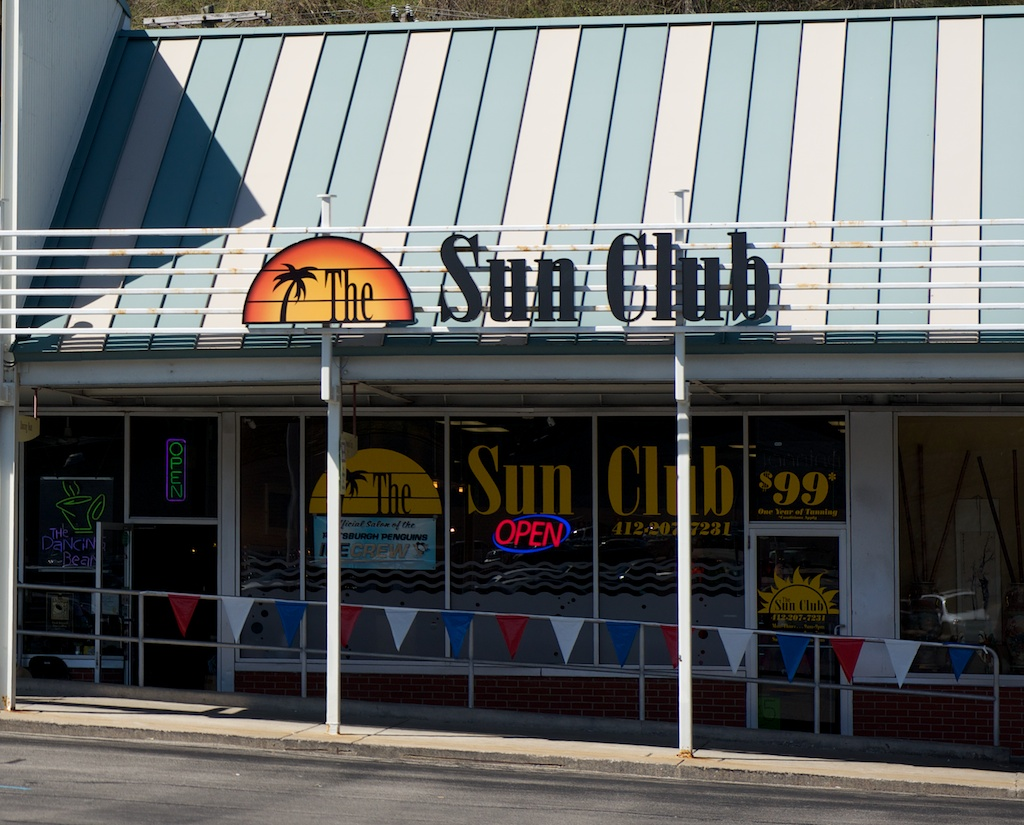 Sun Club in Caste Village